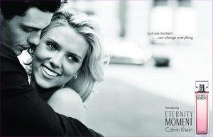 Scarlett Johansson dans une publicité pour la marque Calvin Klein